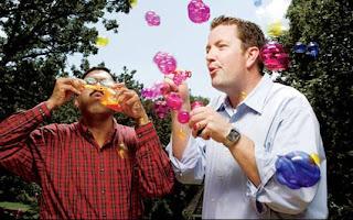 Bolhas coloridas. 15 anos de pesquisa