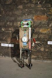 Robot con alma verde y un solo recuerdo