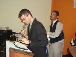 Pregando na Igreja Pentecostal Deus Vivo