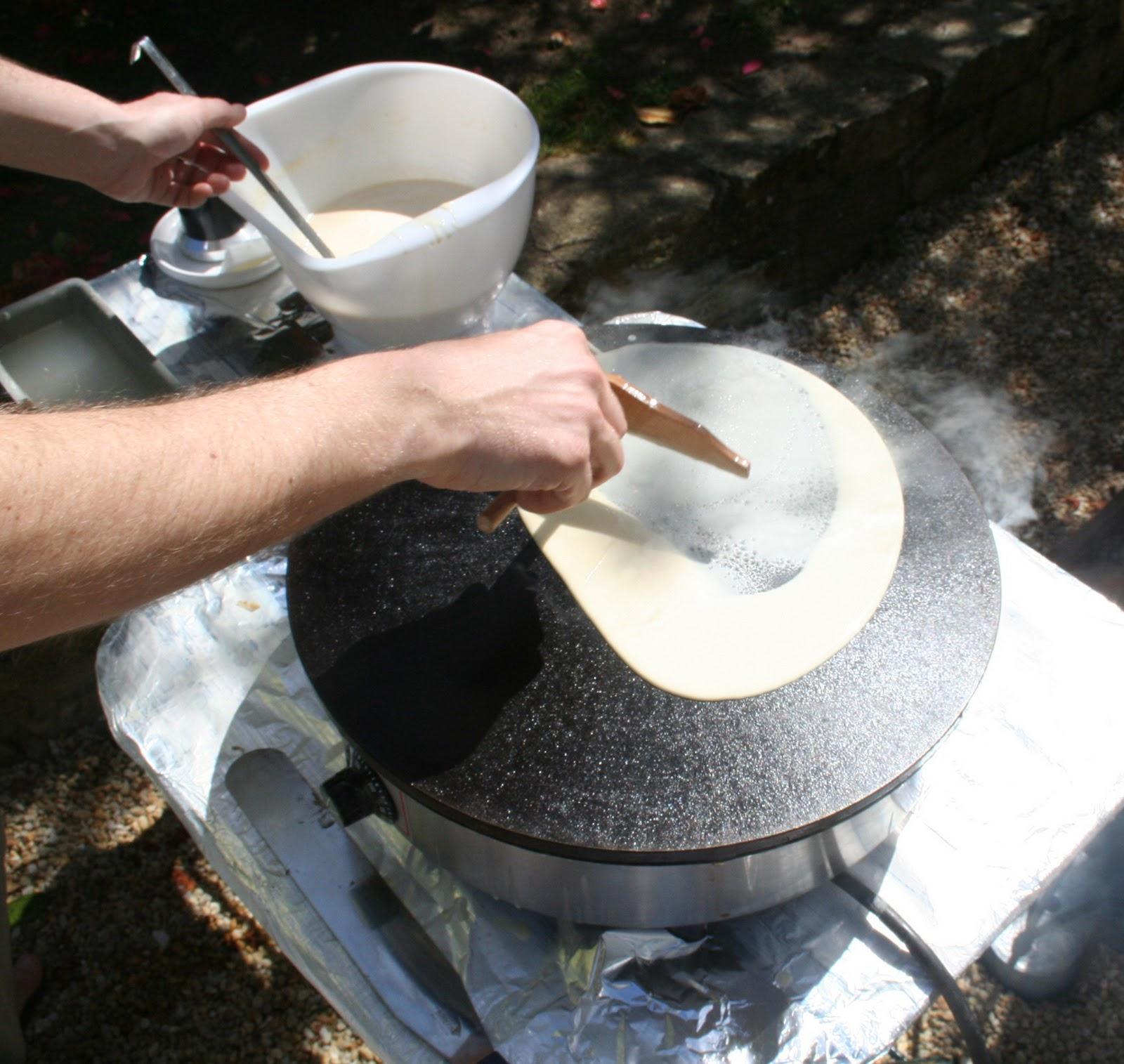 La cuisine de bernard cr pes de froment - Appareil pour faire des crepes ...