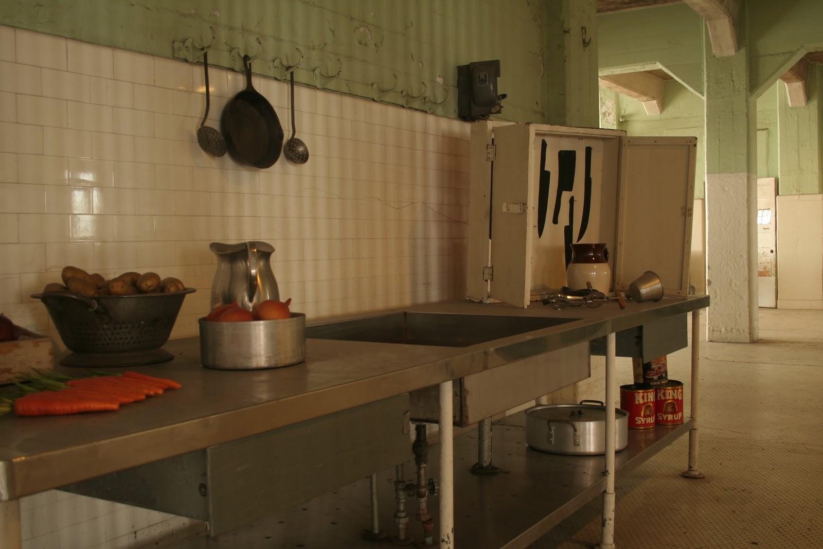La cuisine de bernard san francisco - Des vers dans la cuisine ...