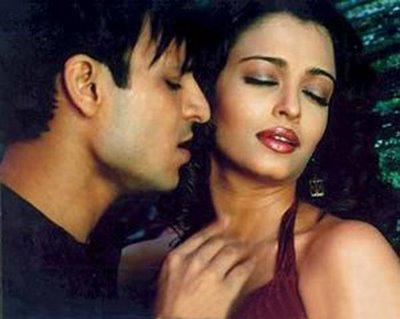 manadesi tollywood actrees aiswary rai latest hot kiss