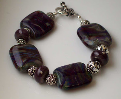Bracelet with lampwork beads