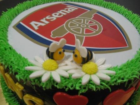 Gula Dan Mentega Arsenal Theme Cake