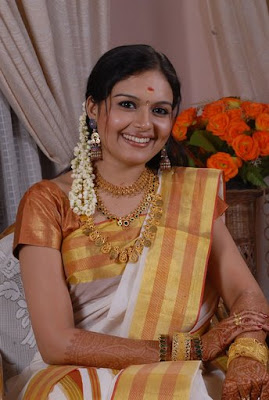 tv anchor, tv anchor navel, tv anchor auntues, tv anchor stills, tv anchor images, tv anchor ramya, tv anchor ramta gallery