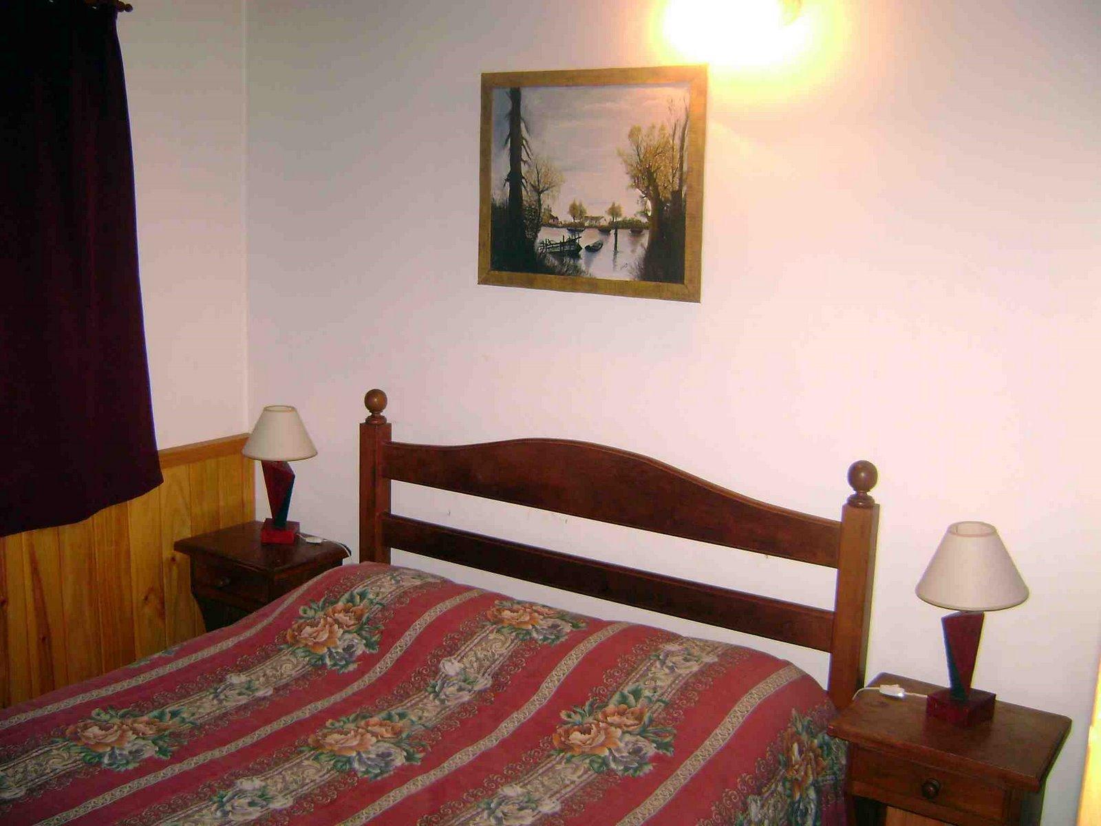 [Dormitorio+cab+para+6+pax+nº+2+cama+2+plazas.JPG]