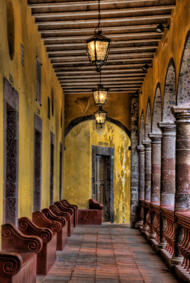 [Hallway.jpg]