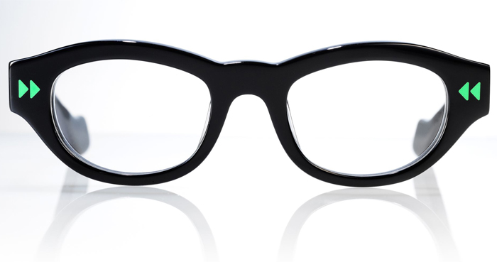 Sthereo glasses from Theo
