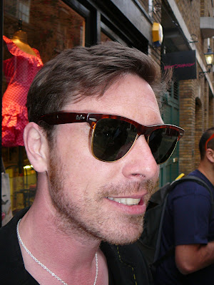 Ray-Ban Wayfarers - click to enlarge pic
