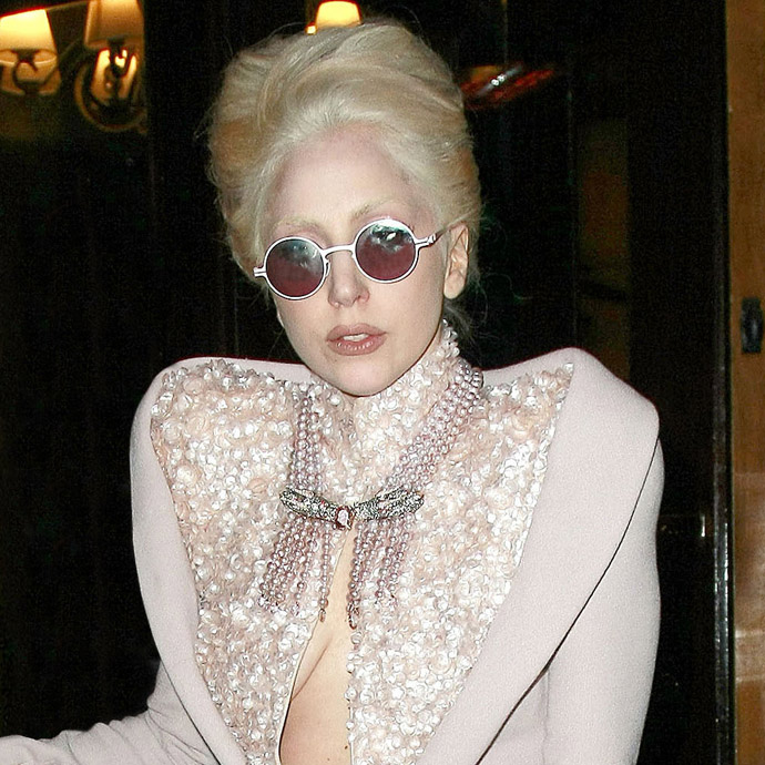 Lady Gaga in Jane sunglasses from Mykita and Marios Schwab - Photo: wenn.com