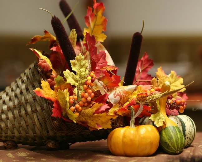 ways to incorporate fall themes in to your wedding reception decorating