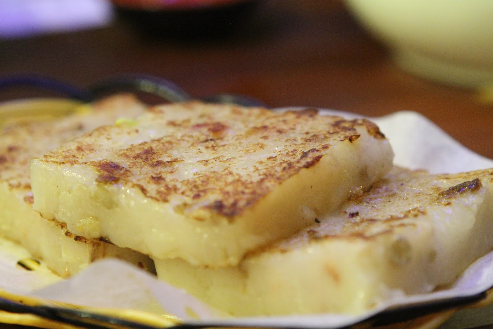 Pan-fried turnip cake with preserved meats (煎臘味蘿蔔糕 ...
