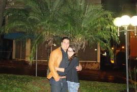 Este sou eu e minha noiva Thuane.