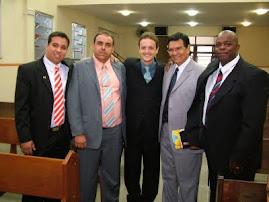 Galera do (Cetec) com o professor  e Pr. José Edson.