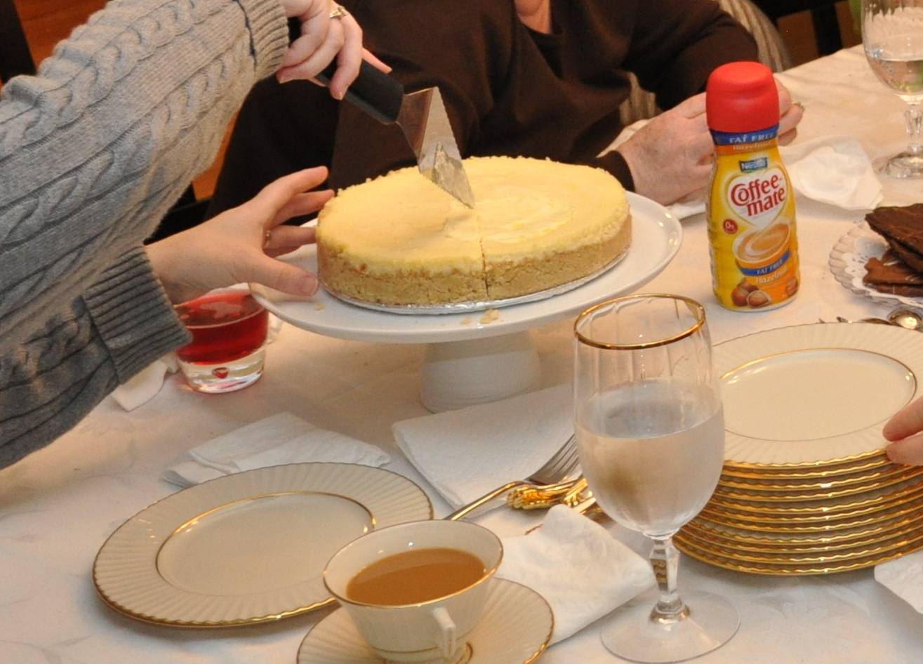 famfriendsfood: Passover Lemon Cheesecake & Seder