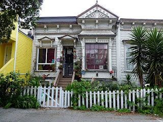 Haunted House | The Ugliest Houses in San Francisco | Crappy Candle