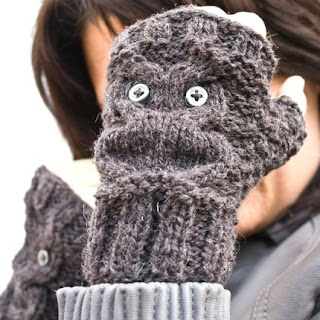 HomeLab owl fingerless gloves