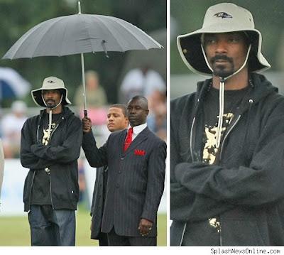 http://3.bp.blogspot.com/_cWMdDTgavyI/SnwfTVFD3uI/AAAAAAAABII/B19ikjOVBlE/s400/Snoop+dogg+umbrella+holder.jpg