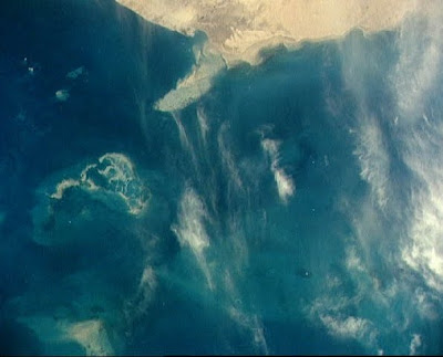 Gulf oil spill from space