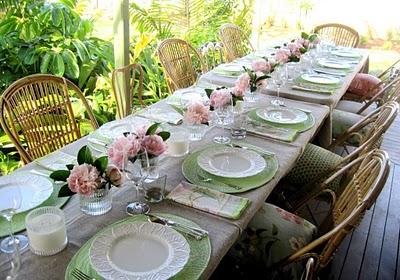 Puerta al sur decorar en verano - Como decorar una mesa de jardin ...