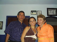 Ricardo Montilla con esposa e hija