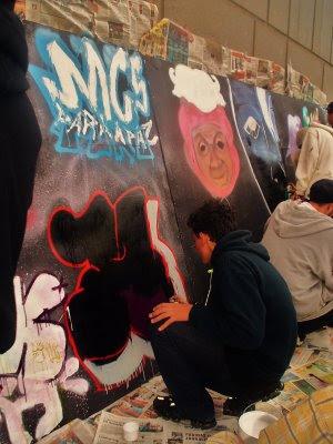 http://3.bp.blogspot.com/_c_o8zaNQTcI/SjR68egDdjI/AAAAAAAAAJQ/DIC0qKyahAs/s400/hip+hop+056.jpg