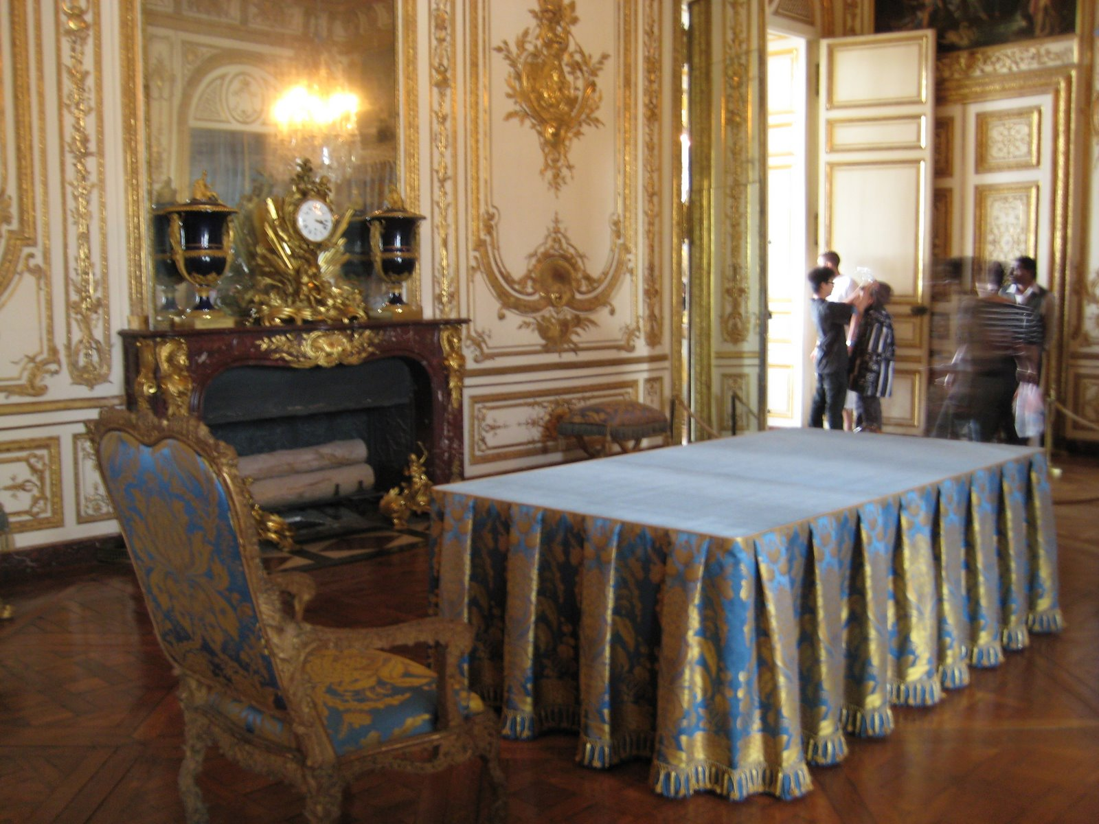 versailles chat sites 100% free versailles chat rooms at mingle2com join the hottest versailles chatrooms online mingle2's versailles chat rooms are full of fun, sexy singles like you.