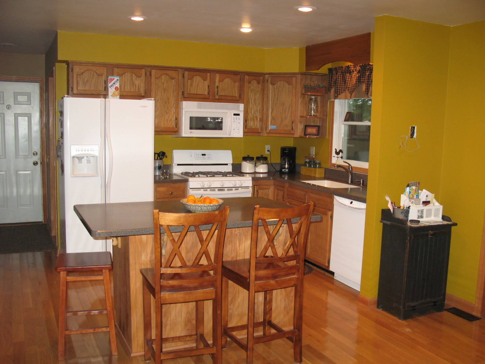 Mustard Yellow Kitchen Walls yellow living room what color kitchen