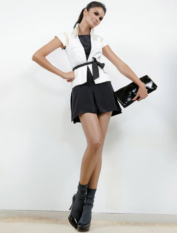 http://3.bp.blogspot.com/_cc27ytOroSM/TG_YUHXNmSI/AAAAAAAAB4g/598oL119t2k/s1600/095_moda-carol-ribeiro-15-looks-pretinho-basico-vestido-soquete-ok.jpg