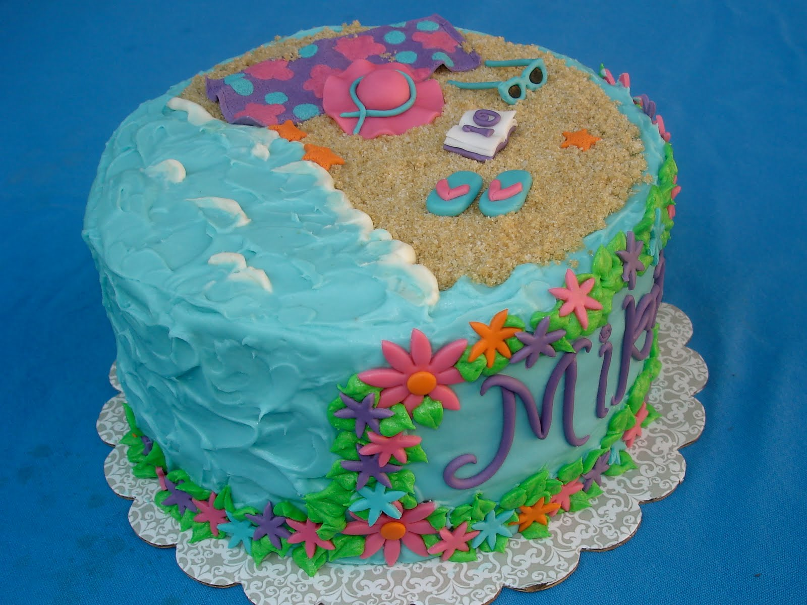 Cake Decorating Ideas Summer : Susana s Cakes: Beach Girl Birthday Cake