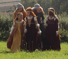 Damsels on the way to Camelot