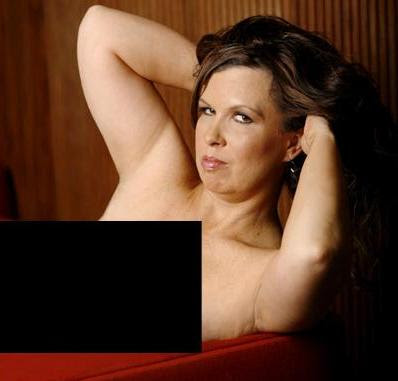 why Vickie Guerrero would show closet to Nude