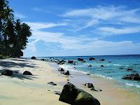 http://3.bp.blogspot.com/_ceSFA9Wq2do/TTMgTy0Jo7I/AAAAAAAAAMU/zgmlJyqDAUU/s1600/1.1271952722.2_sumur-tiga-beach-pulau-weh.jpg