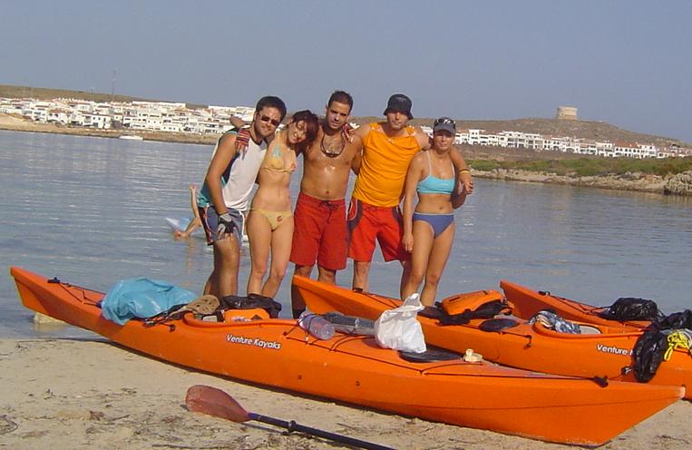 El comando cardumen i la volta a Menorca en caiac