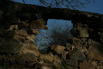 pilisvorosvar-daily-photo-hole