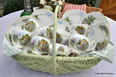 Royal Vale Homestead Tea Set