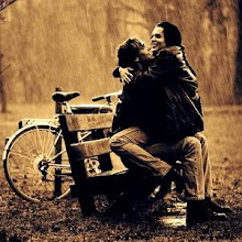 Por mucho que llueva, sólo sonríes.