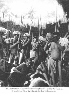 endocannibalism 10 Ritual Pemakaman Unik dan Aneh di Dunia