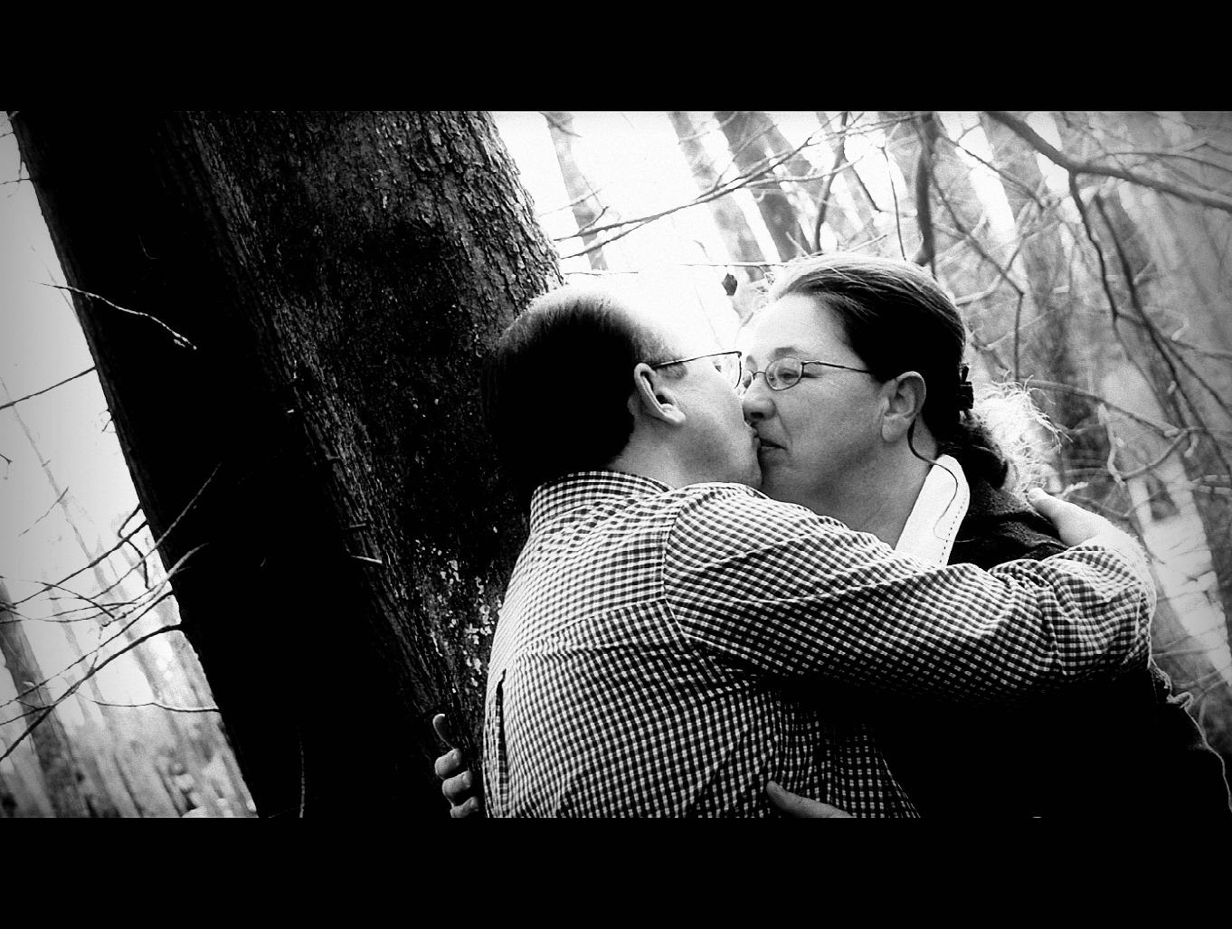 [kissing]