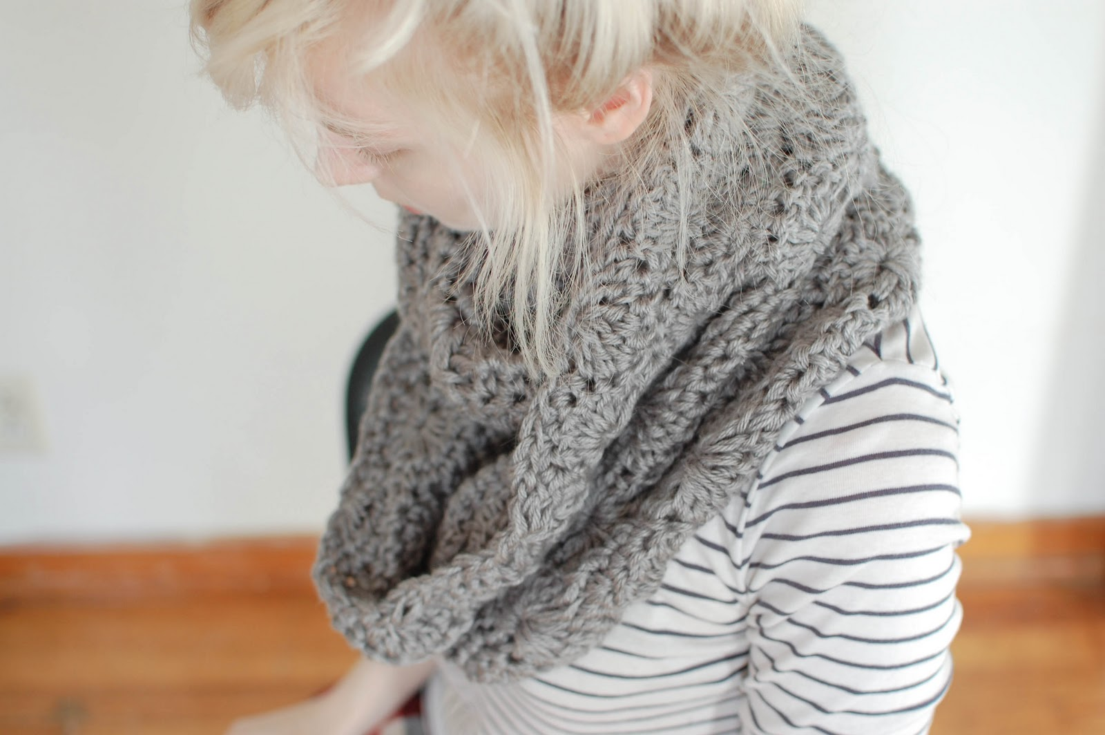 Free Crochet Scarf Patterns For Bulky Yarn : people webs: pattern: chunky circle scarf