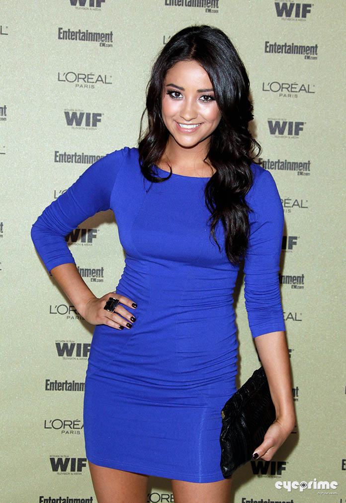 shay mitchell mom. Shay Mitchell arrives at the
