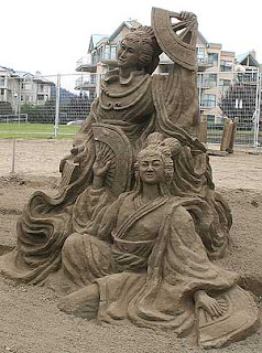 hopefully the weather is good that day. Otherwise, the impressive sand castle just flow with rain