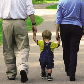 http://3.bp.blogspot.com/_crXFuanz_H0/SzBr0hmqA_I/AAAAAAAAADg/SSPL6Ur1uDM/s320/parents_walking_child1.jpg