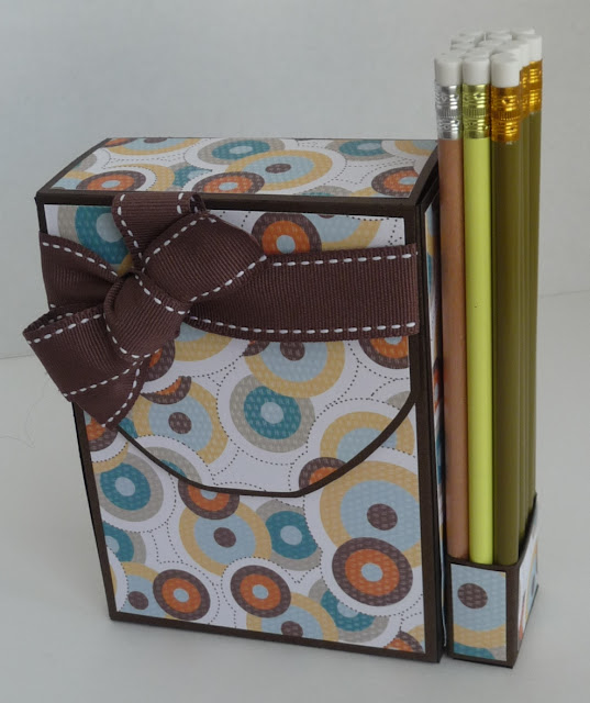 Подарок на день рождения художнице