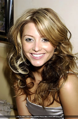 Holly Valance image