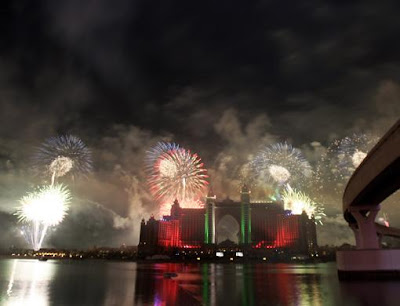 Atlantis fireworks display lights up Dubai night sky