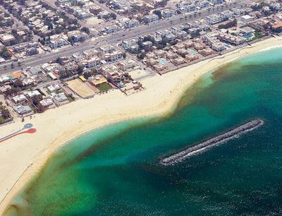 Red Tide in Dubai