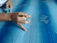 Mencanting Batik