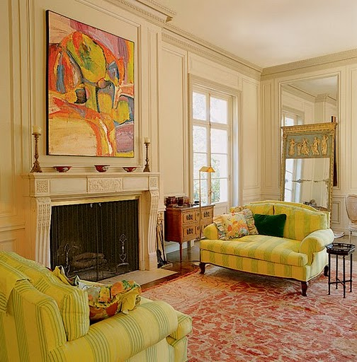 Fashion girls living room ideas in yellow for Living room yellow accents