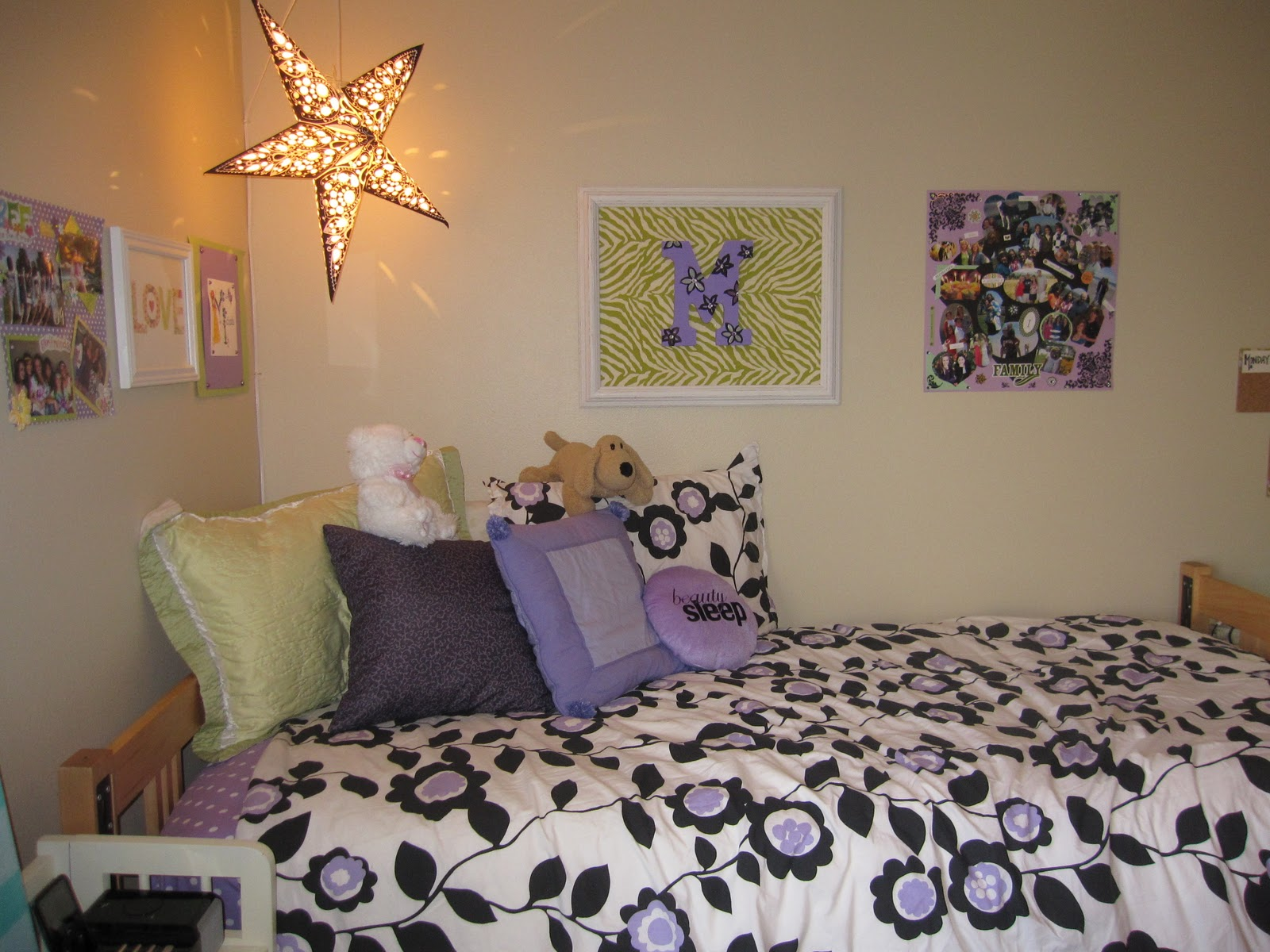 I m so excited to share my new room with all of you  I arrived at our new  apartment on Friday and have been busy decorating ever since  Here s the  reveal. Finally   My New Room    Michaela Noelle Designs